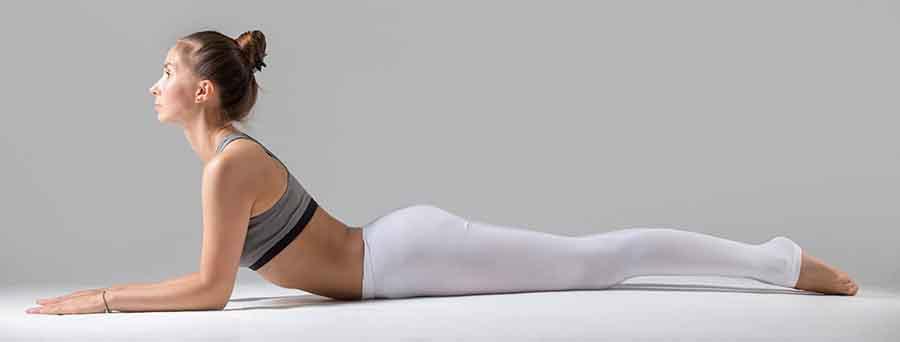 Yoga, la posture du cobra.