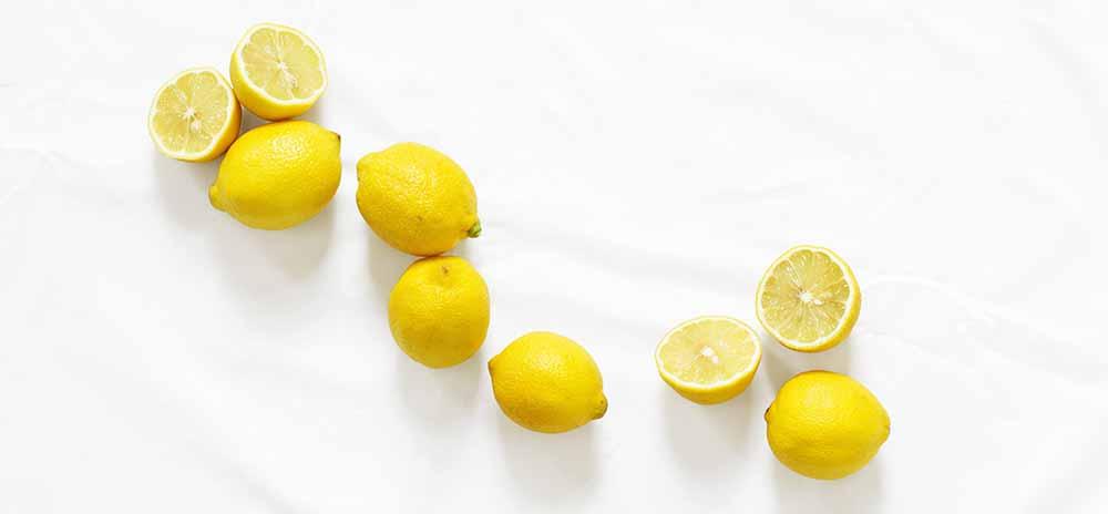L'essence de citron possède d'excellentes propriétés anti-infectieuses, antiseptiques, et antibactériennes.