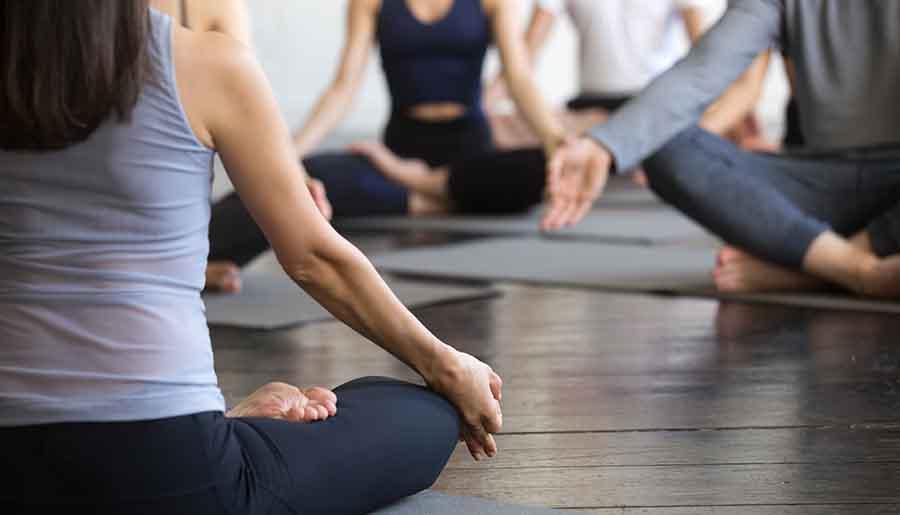 Cours de Yoga.