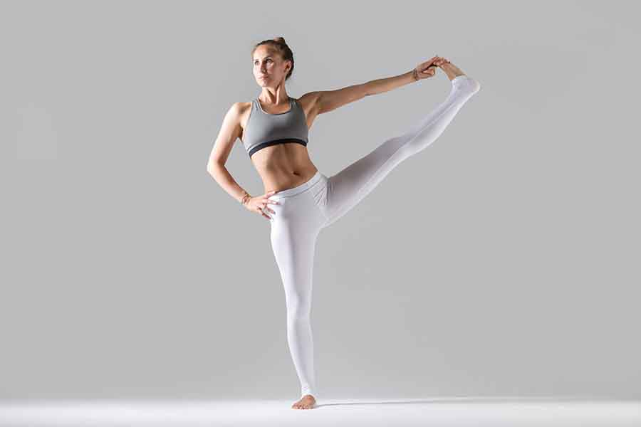 Yoga, posture de l'équilibre, Utthita Hasta Padangustasana.